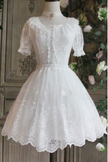 The Poetry Of Roses White Lace Yarn Embroidered Short Classic Lolita Petticoat